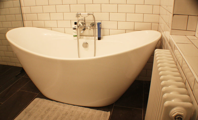 double-slipper-bath-installed